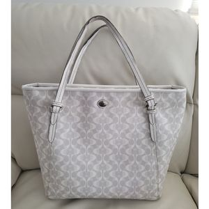COACH Peyton Top Zip Totebag